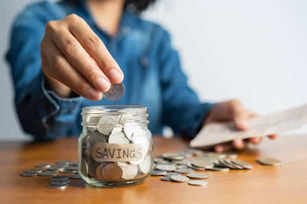 6 money saving hacks for students
